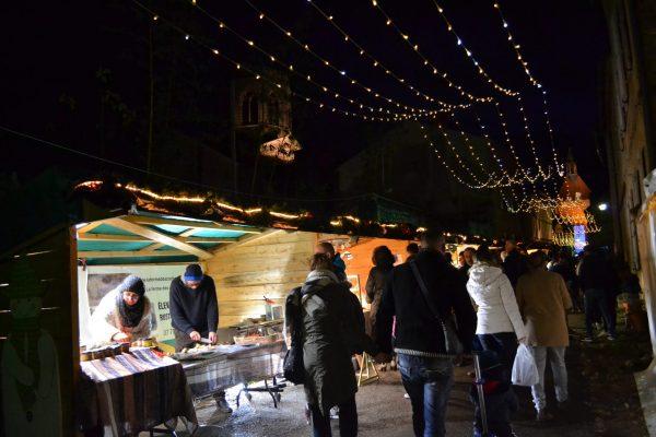 Marché Noël Charroux © OT Val de Sioule