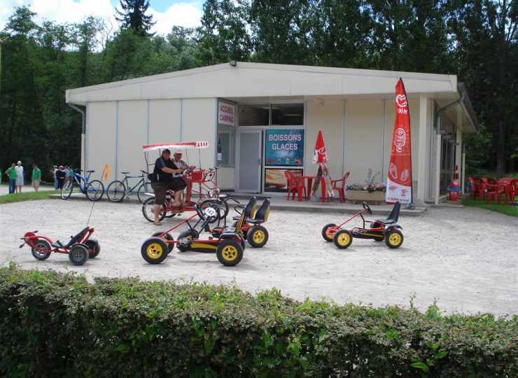 Aire de services sur camping Ile de la Ronde