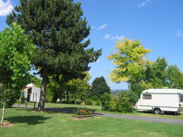Aire de services sur camping Mont Libre